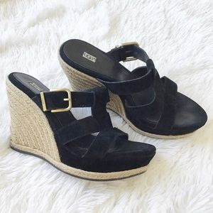 Ugg Hedy wedge black sandal sz 8.5